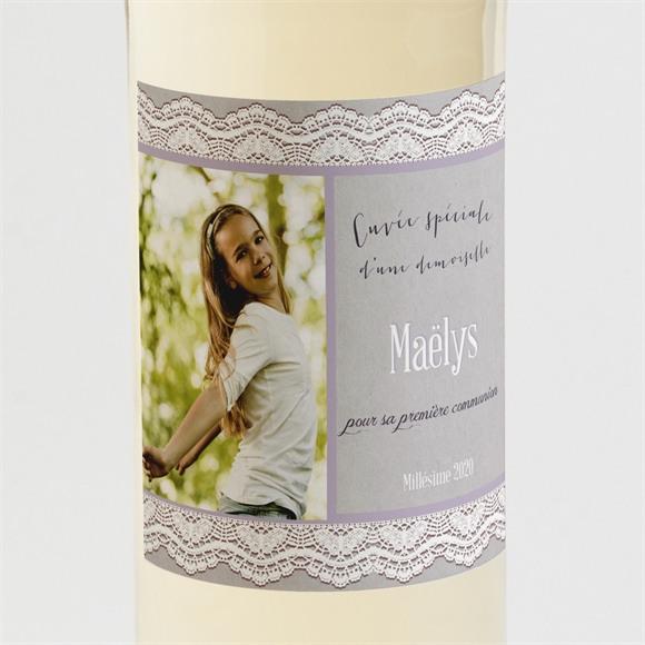 Etiquette de bouteille communion Tenue de dentelle réf.N300534