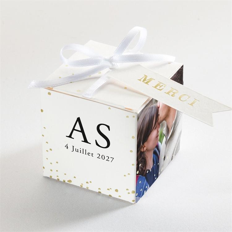 Boîte de dragées mariage Que je t'aime réf.N340209
