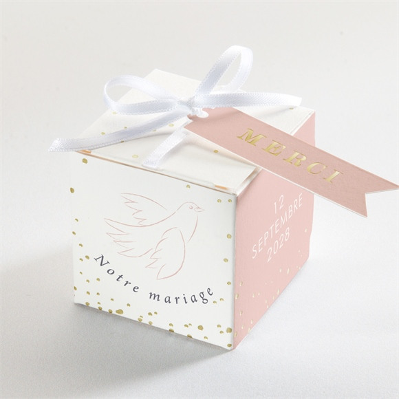 Boîte de dragées mariage L'Essentiel en initiales réf.N340285